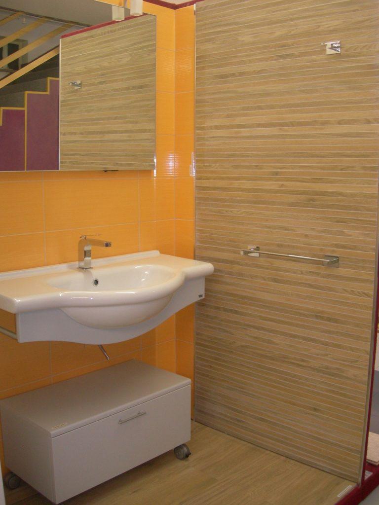 Edilcom fancelli il nostro showroom - Rivestimento bagno legno ...