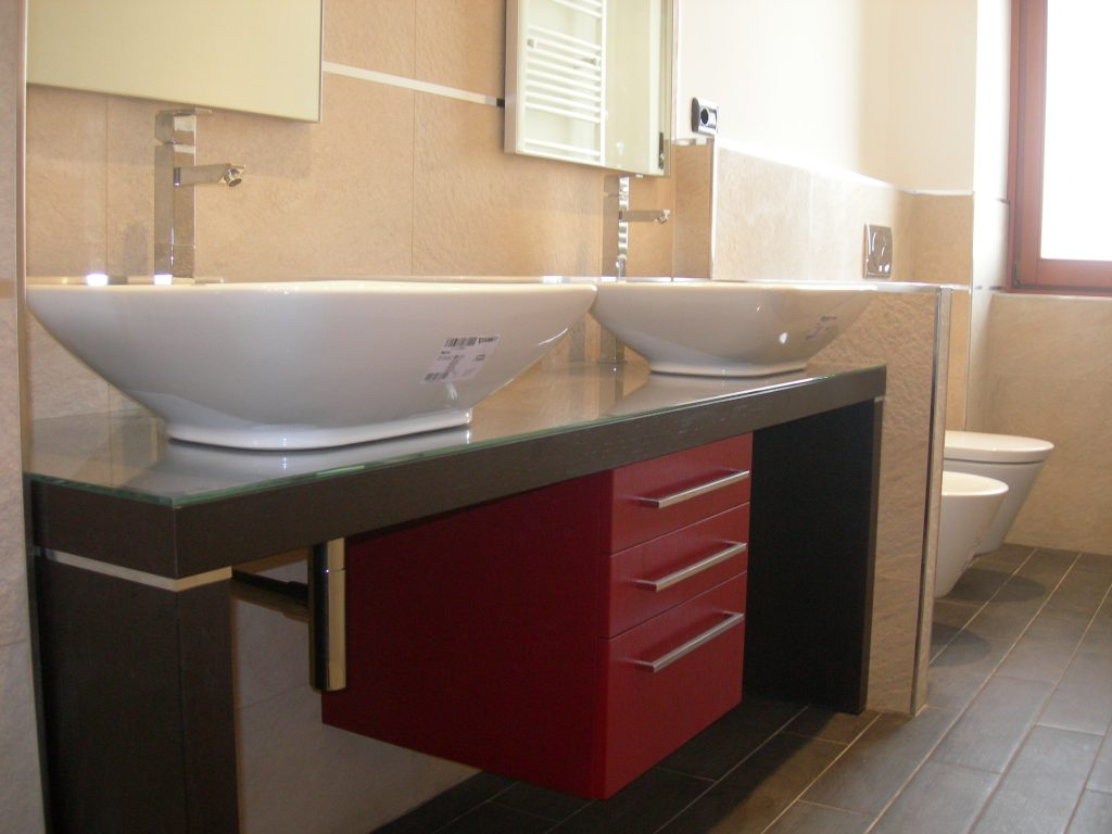 Camera disegno letto da pittura - Vasca da bagno in pietra ...