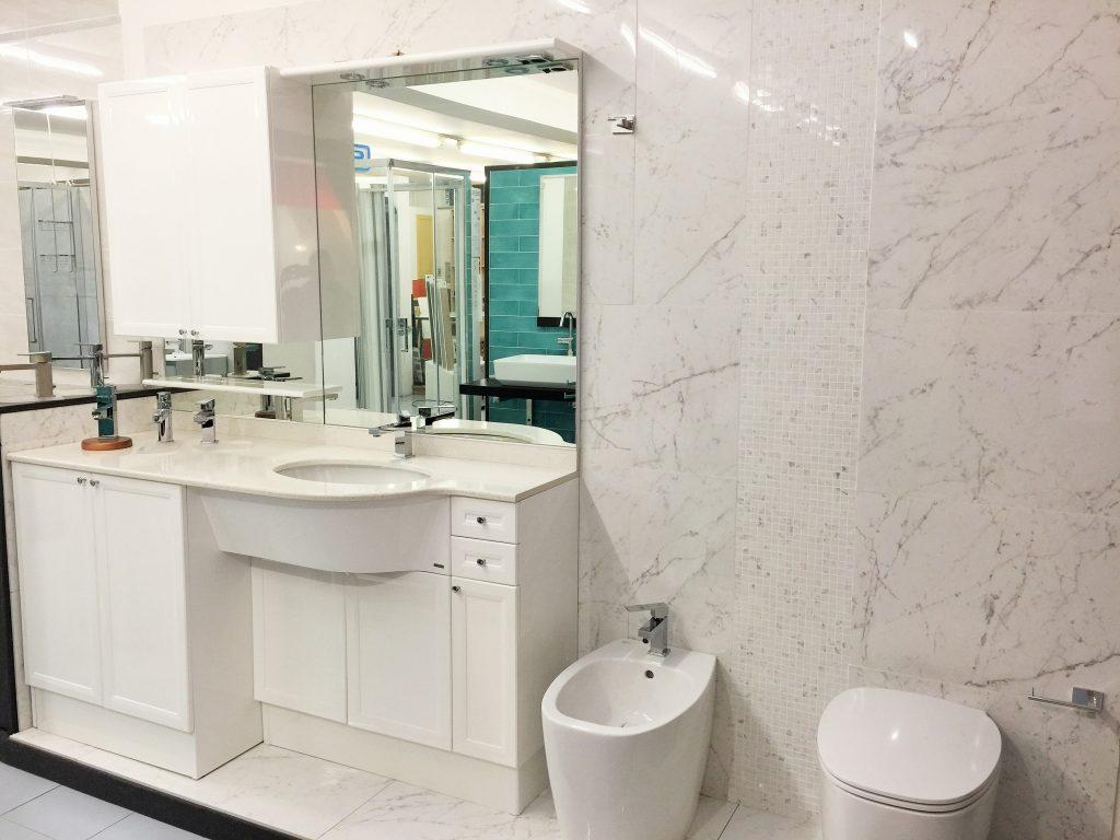 Edilcom fancelli il nostro showroom - Rivestimento bagno gres porcellanato ...